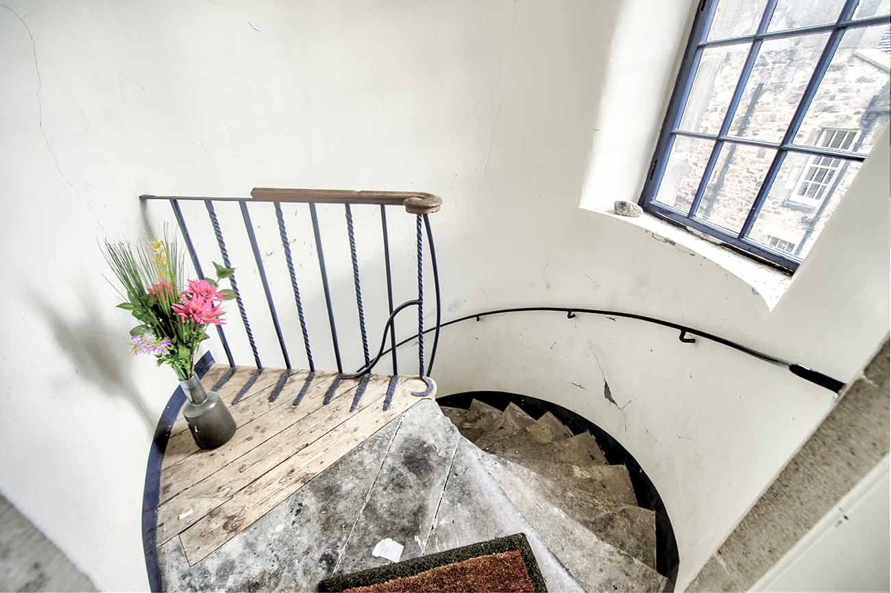 royal mile edinburgh airbnb