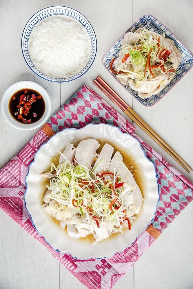 chinese poached chicken with spring oil