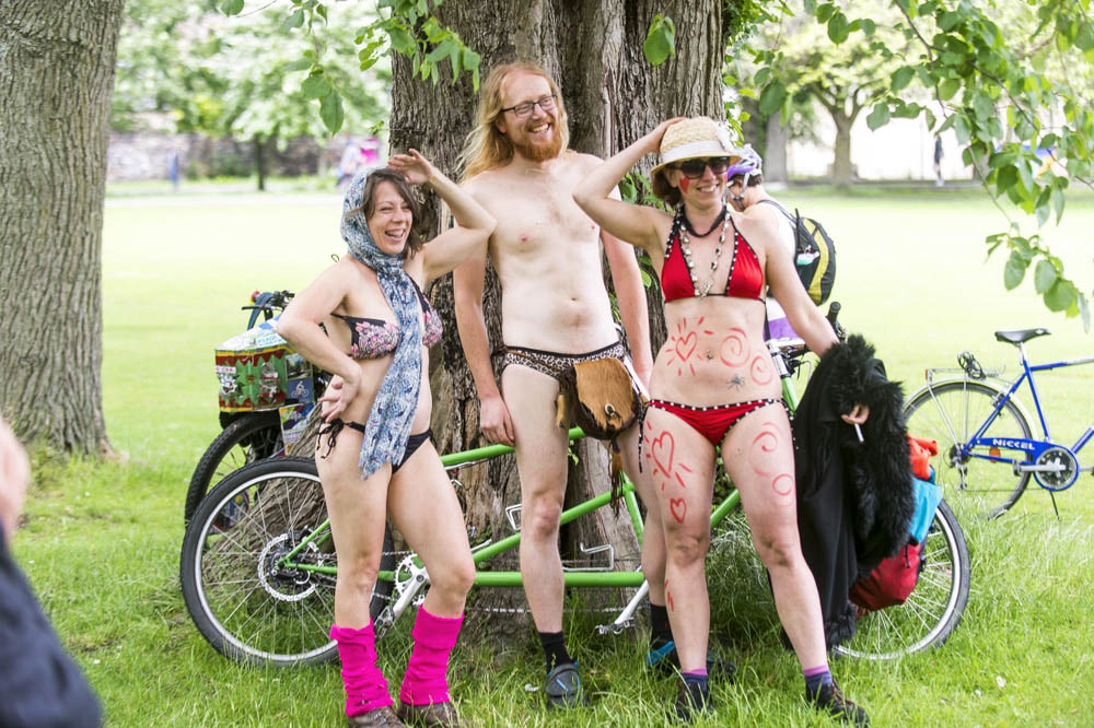 naked bike ride edinburgh 2017